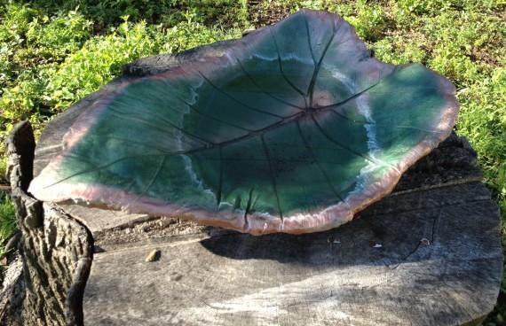 leaf birdbath