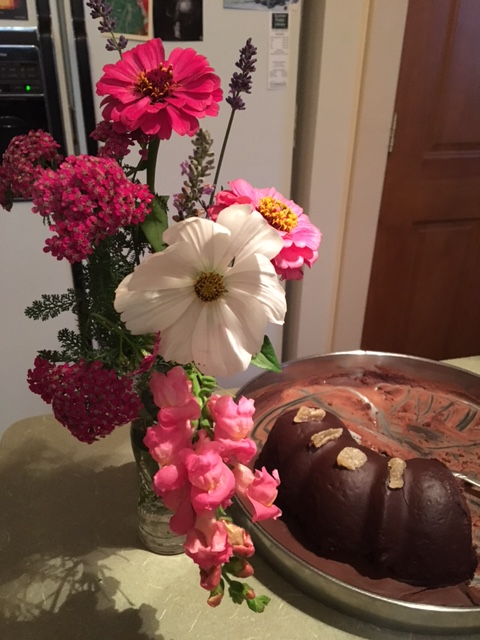sundays-flowers-with-saturdays-cake